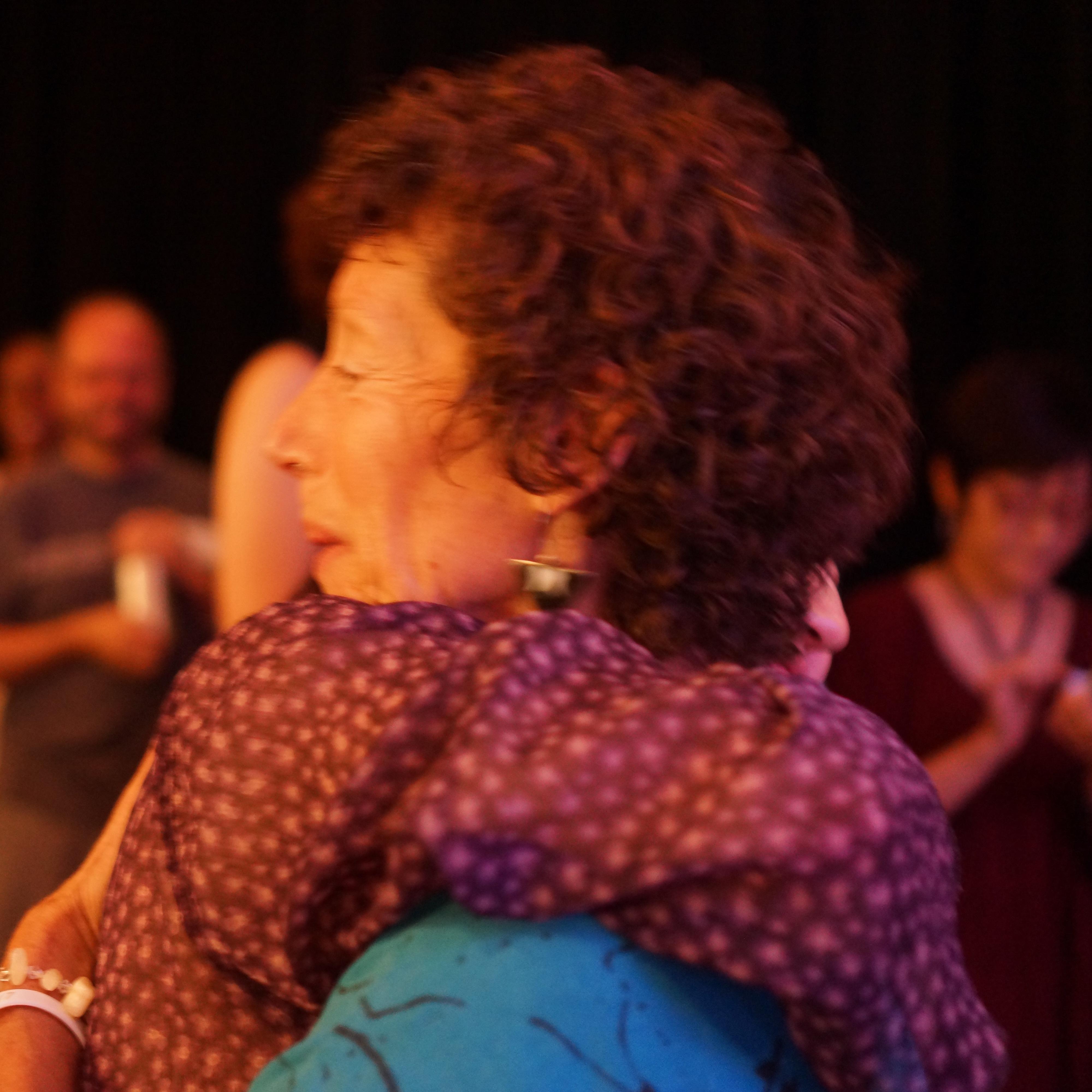 Image : friend embracing Nancy