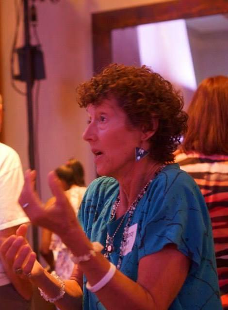 Image : Nancy deep in conversation