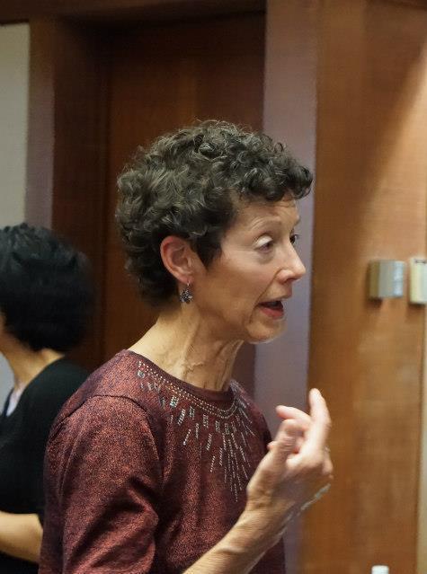 Image : Nancy at Asilomar talking to Deborah