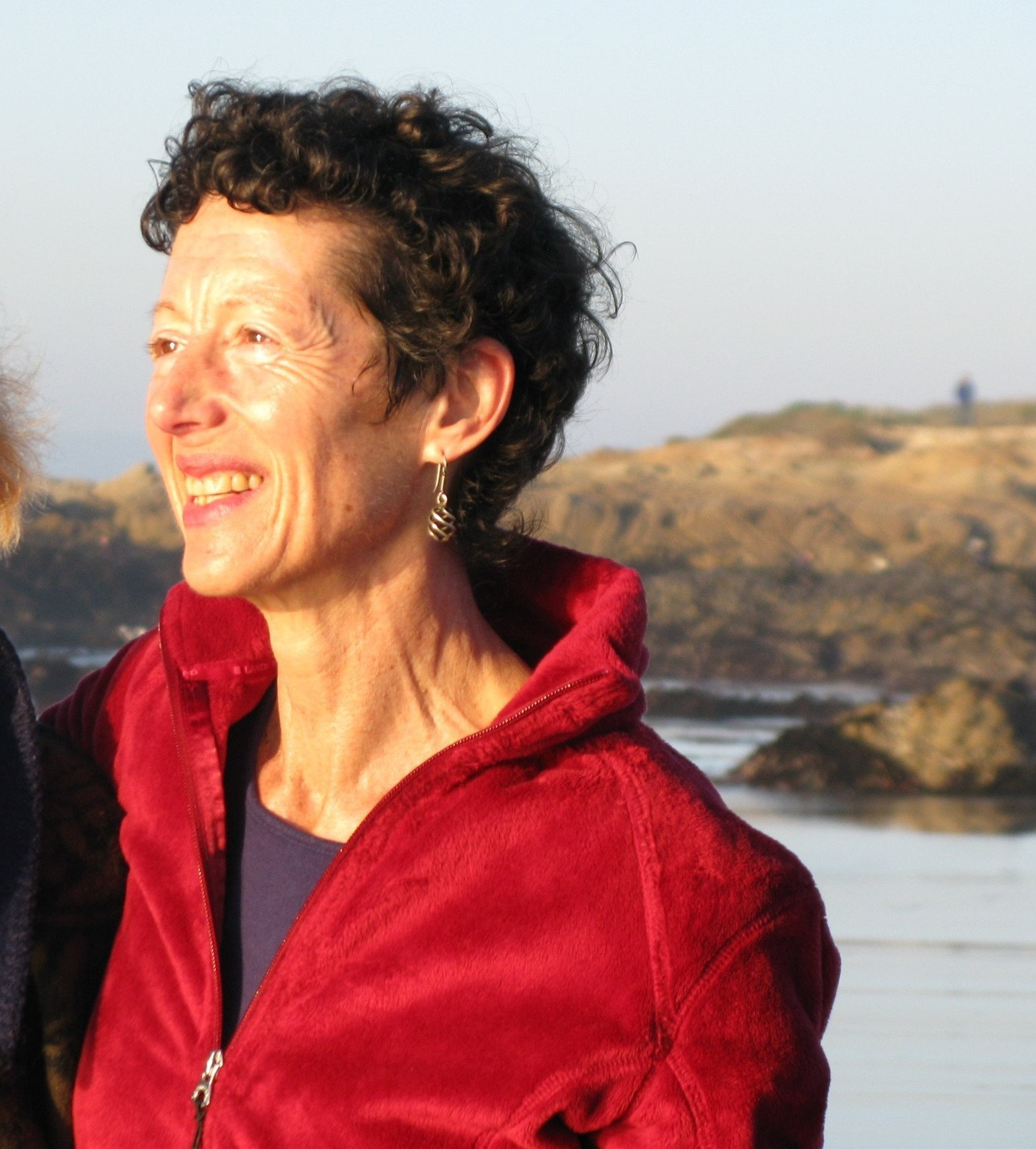 Image : Nancy gazing out at the Asilomar beach