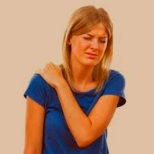 woman with sore shoulder